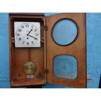 Часы настенные старейшие 2 часовой завод Москва