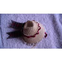 Шляпка соломенная, маленькая, с запахом. распродажа