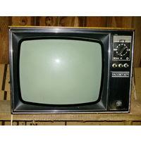 """Первый ламповый телевизор """"Рассвет-3071"""" для фотосъемок, интерьера под старину или коллекции, б/у"""