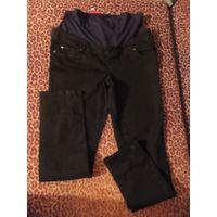 Джинсы для беременной 46 размер, новые, плотный и качественный джинс, покупала за границей, не подошли по размеру. Отлично тянутся. Обмен не интересует. Замеры не делаю, так как отлично тянутся