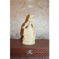 """Статуэтка """"Принцесса"""", времён СССР, высота 15 см., тяжёлый, плотный пластик."""