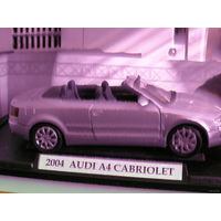 Модель машины коллекционная AUDI A4 CABRIOLET 1:18