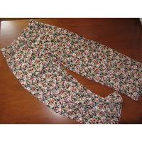 Модные штаны в цветочек