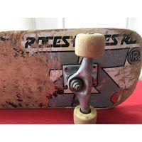 Скейтборд Roces на детали или ремонт